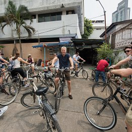 <p>Start zur Velotour «Bangkok City Culture».</p>