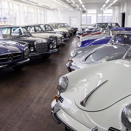 <p>Showroom der Swiss Classic Car in Fällanden: Auto Enthusiasten bleibt die Luft weg!</p>